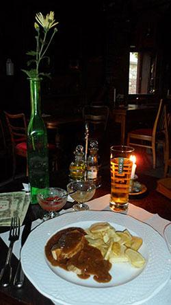 Dîner aux chandelles dans un célèbre restaurant juif de Cracovie