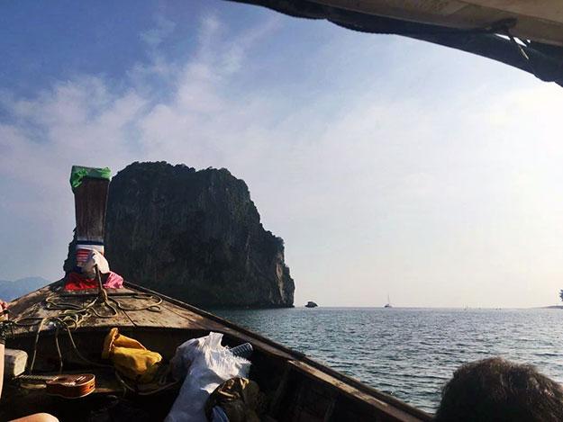 Dans la navette entre Ao Nang et la plage de Tonsai en Thaïlande