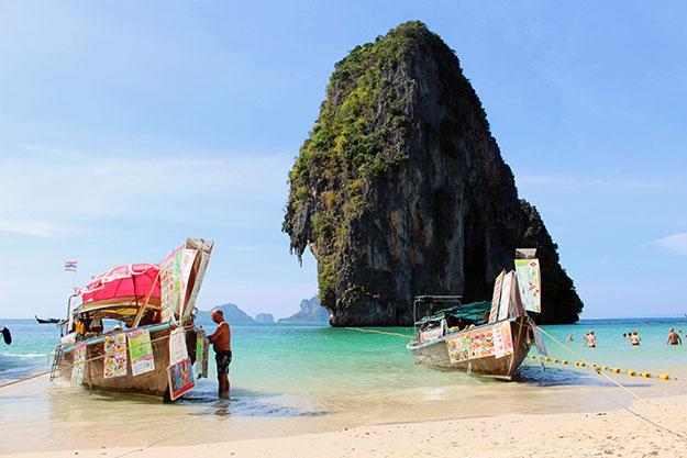 La belle plage de Phra Nang dans la région de Krabi en Thaïlande du Sud