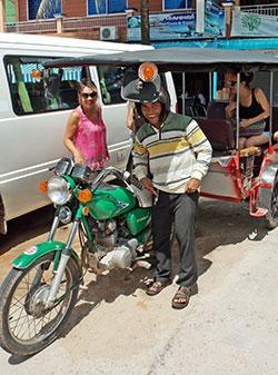 Les habitants de Phnom Penh sont très souriants.