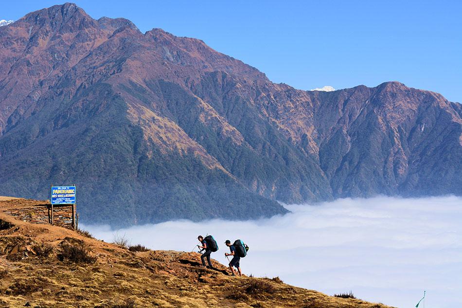 Pour éviter de souffrir du mal des montagnes, montez progressivement.