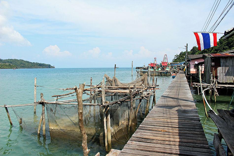 Le village flottant de Ao Yai à Koh Kood est un lieu reposant et hors du temps.