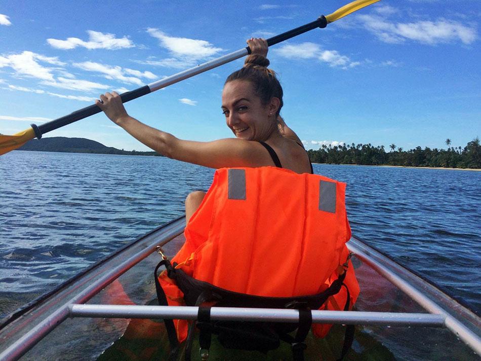 A Koh Mak, il faut essayer le kayak pour explorer les petites îles voisines.