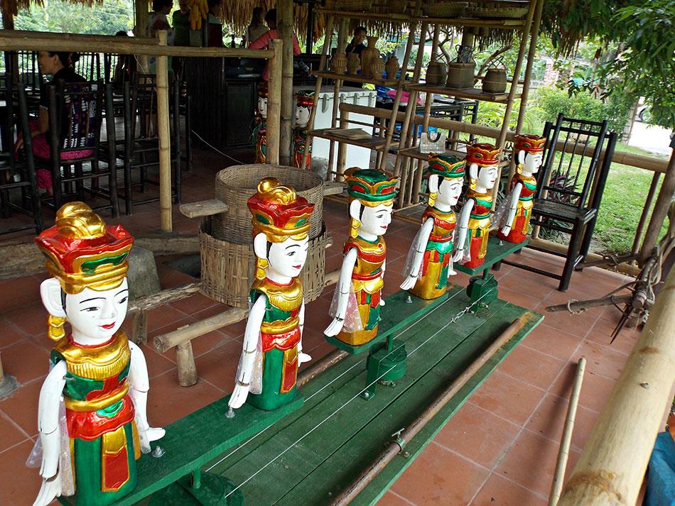 Une idée de visite ou activité sympa à faire à Hanoï? Allez voir un spectacle de marionnettes sur l'eau.
