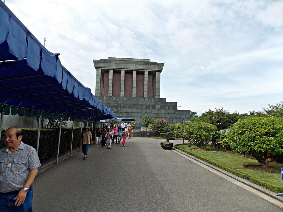 Parmi les visites à ne pas rater à Hanoï? Le mausolée Ho Chi Minh.
