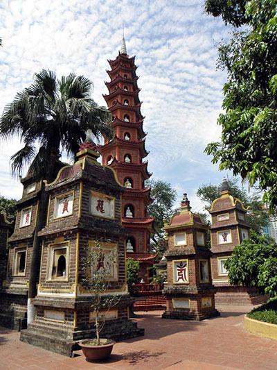 Une visite à ne pas rater lors d'un séjour à Hanoï? La pagode de Trân Quôc.