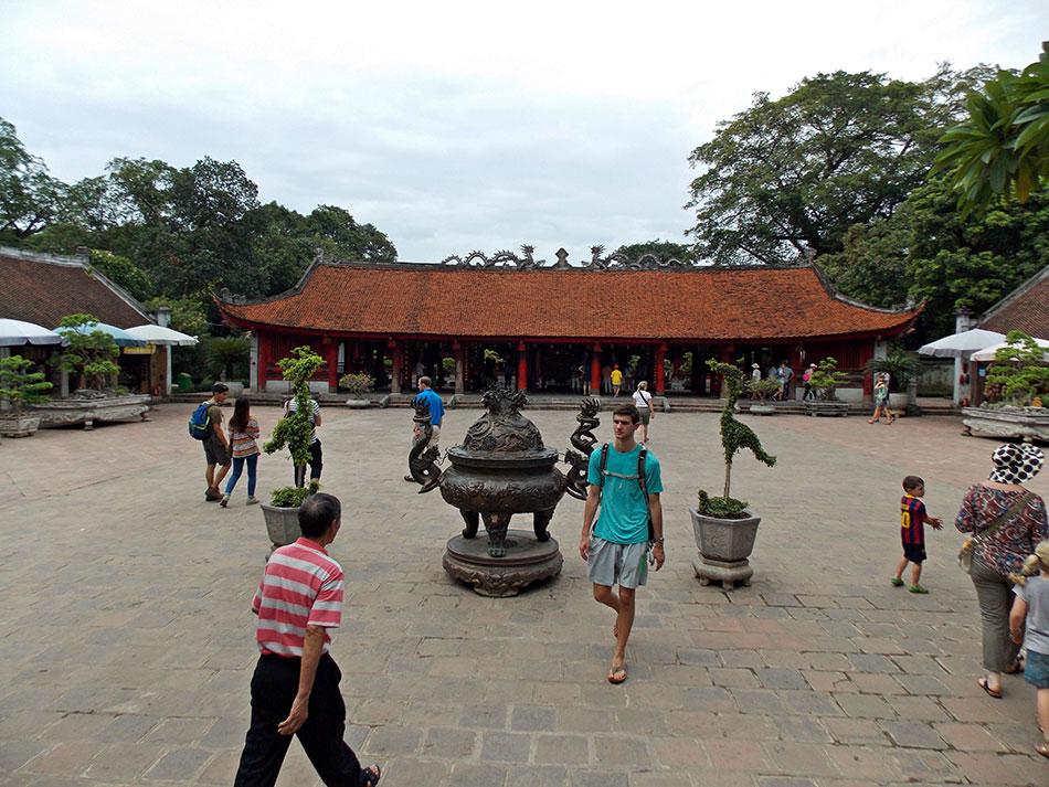 Une visite à ne surtout pas rater lors d'un séjour à Hanoï? Le temple de la Littérature.