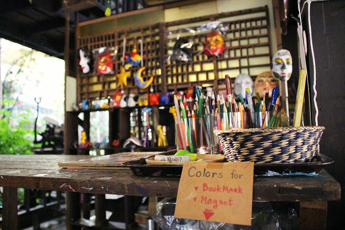 Quel visite insolite peut-on faire à Bangkok? La maison d'artistes de Baan Silapin.