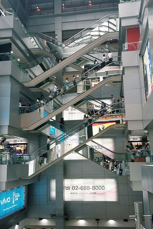 Que faire à Bangkok? Aller au centre commercial entre autres.