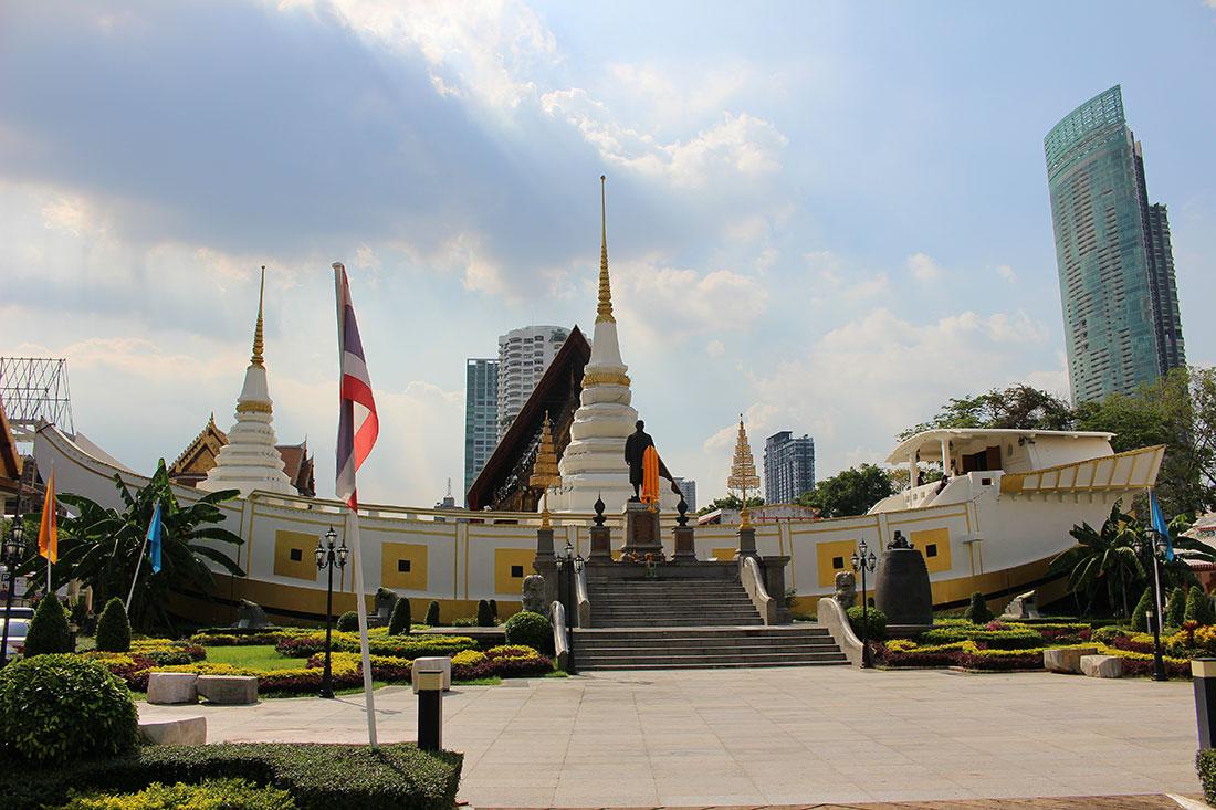 Wat Yannawa, temple insolite en forme de bateau à Bangkok